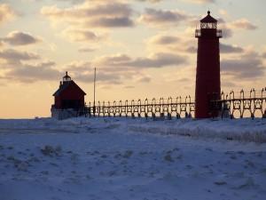 lighthouse-244278_640