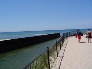 mona-lake-beaches